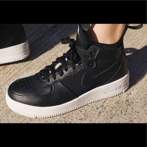 Women's Nike Air Force 1 Ultraforce Mid Shoes